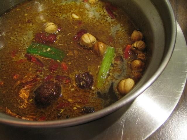 紅鍋辣味湯頭