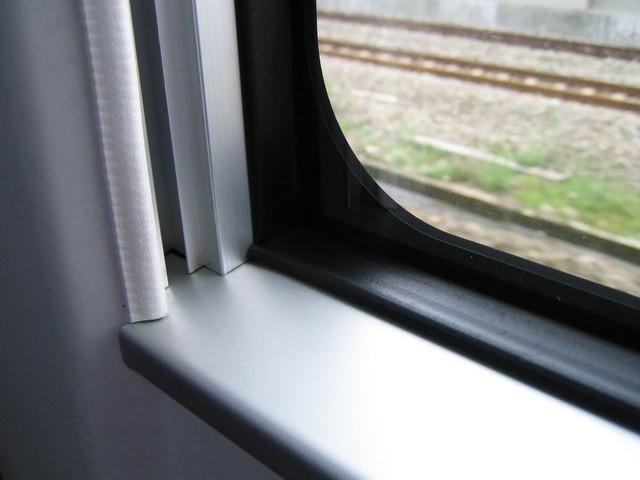 潔淨的窗框