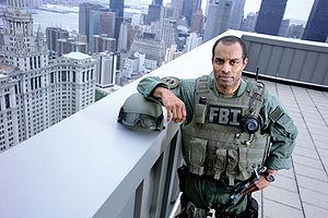 300px-FBI_SWATagent