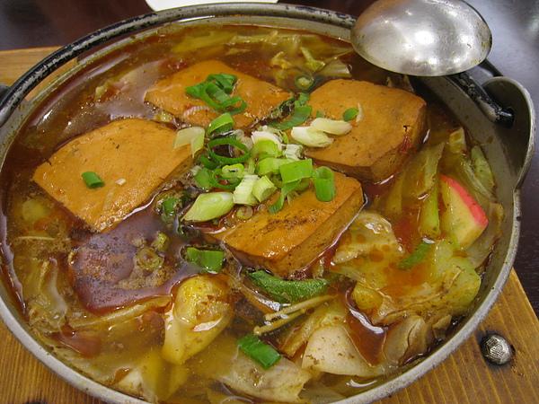 [台中] 西區-梁婆婆臭豆腐-麻辣鴨血臭豆腐郭