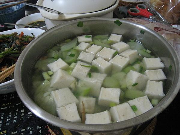 9/5 絲瓜百頁豆腐湯