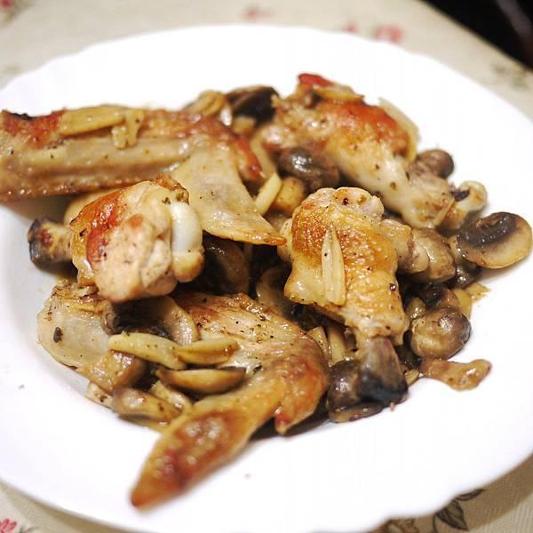 蘑菇雞翅.JPG