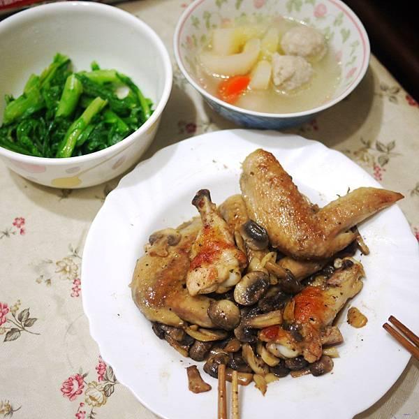 蘑菇雞翅3.JPG
