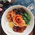 2018_047  韓式燻鮭魚拌飯.jpg