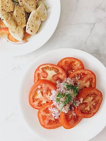 2019_043 番茄洋蔥沙拉.jpg
