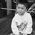 小孩特輯 - 公園遊玩.豐旭被罰坐.jpg