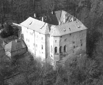 houskacastle