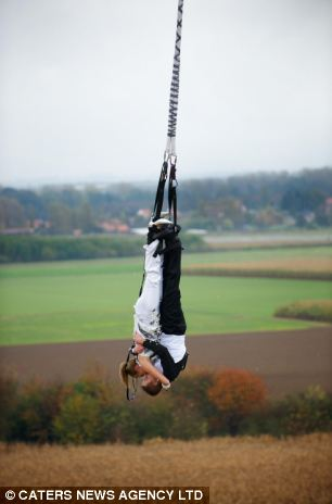 Taking_the_plunge_Thrill_seeking_couple_get_married_160ft_up_in_the_air_(and_then_bungee_jump_off_platform)_1.jpg