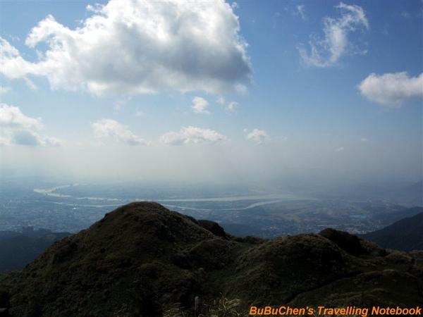 七星山主峰(台北盆地方向)