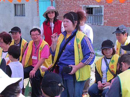 志工們一起分享種樹的心得