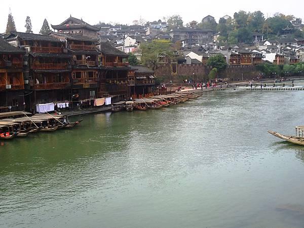 9沱江上景色