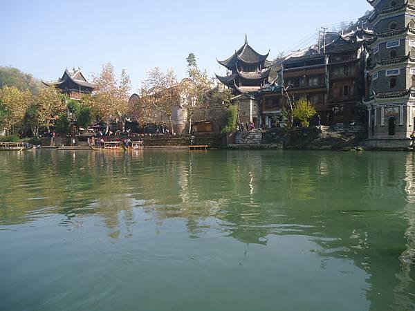 12沱江水上景觀
