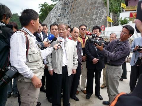 image028盧總會長接受新聞媒體專訪.jpg