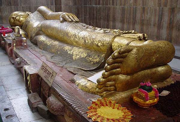 sleeping-statue-of-buddha-kushinagar,%20Uttar%20Pradesh,%20India.jpg