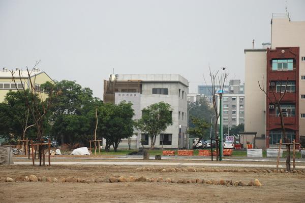 建平三街完成外觀(公園遠景)-4.JPG