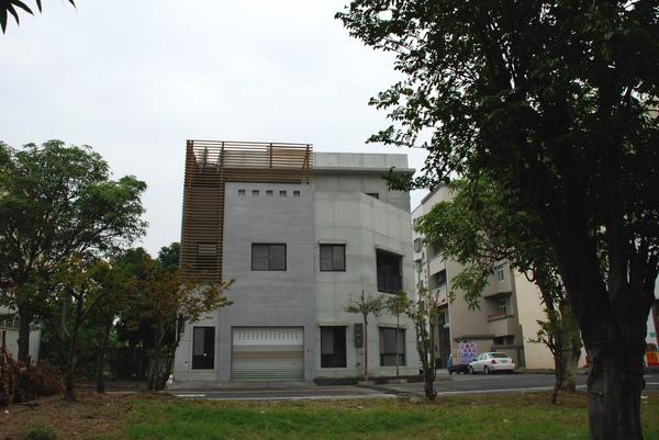 建平三街完成外觀(遠景)-2.JPG