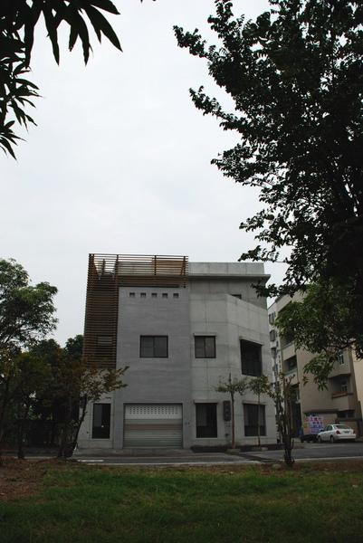 建平三街完成外觀(遠景)-3.jpg