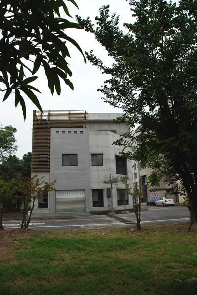建平三街完成外觀(遠景)-4.JPG