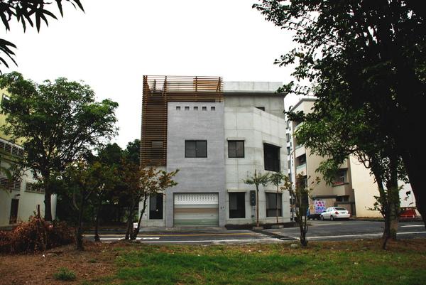 建平三街完成外觀(遠景)-6.JPG