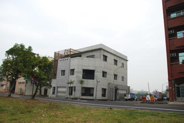 建平三街完成外觀(遠景)-7.JPG