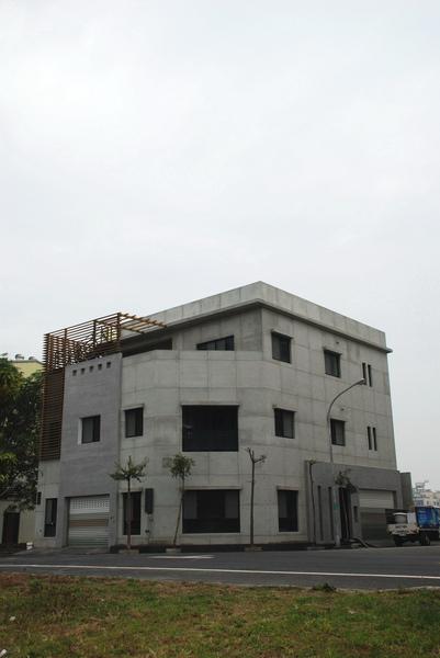 建平三街完成外觀(遠景)-9.jpg