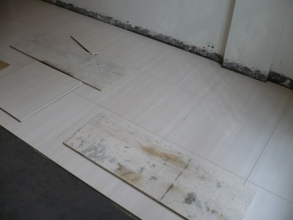 1F拋光石英磚施工3.JPG