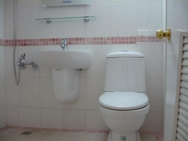 1F浴室完成1.JPG