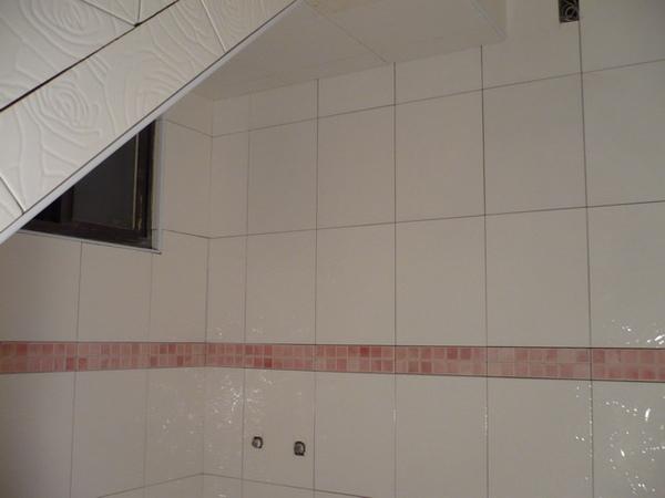 1F浴室貼壁磚1.JPG