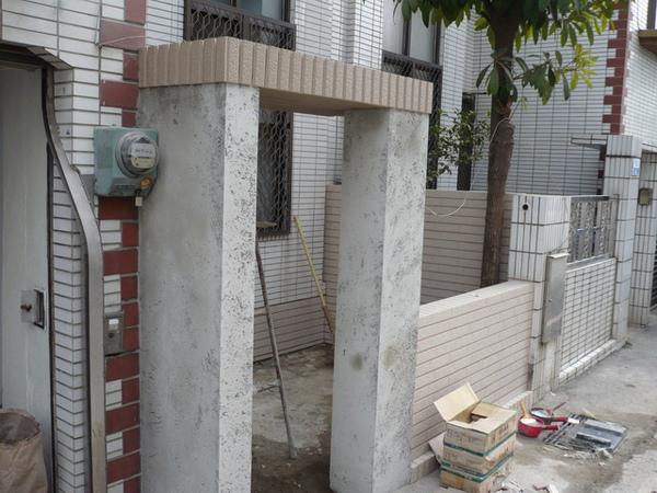 1F圍牆貼丁掛2.JPG