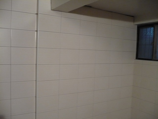 1F廚房貼壁磚2.JPG