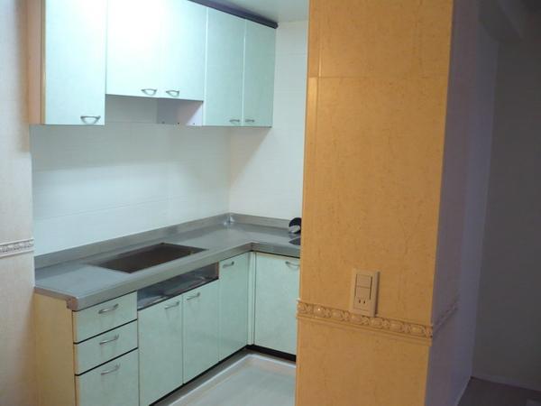 廚房及餐廳壁磚完成2.JPG