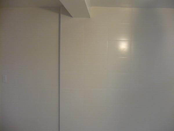 廚房及餐廳壁磚完成3.JPG