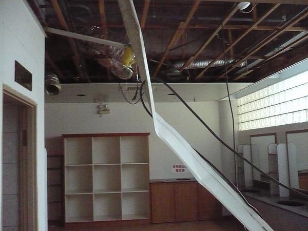 室內裝潢拆除及磁磚打除作業2.JPG