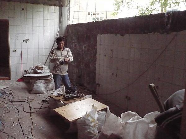 室內裝潢拆除及磁磚打除作業4.JPG