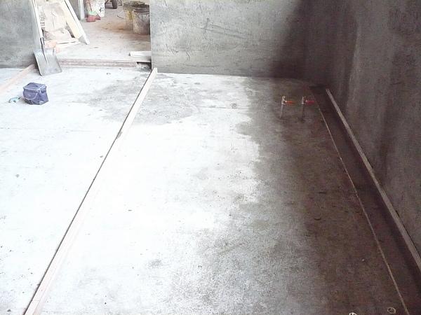 牆面及地坪打底粉刷作業8.JPG