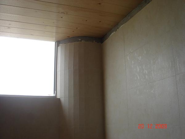 磁磚作業施工中11.JPG