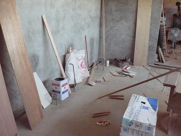 裝潢作業施工中2.JPG