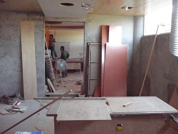 裝潢作業施工中3.JPG