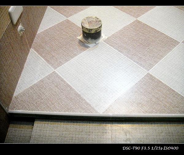 淋浴間降版及排水溝1.jpg