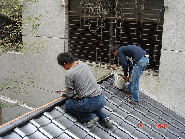 1F增建日式文化瓦施工10.JPG