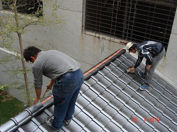 1F增建日式文化瓦施工12.JPG
