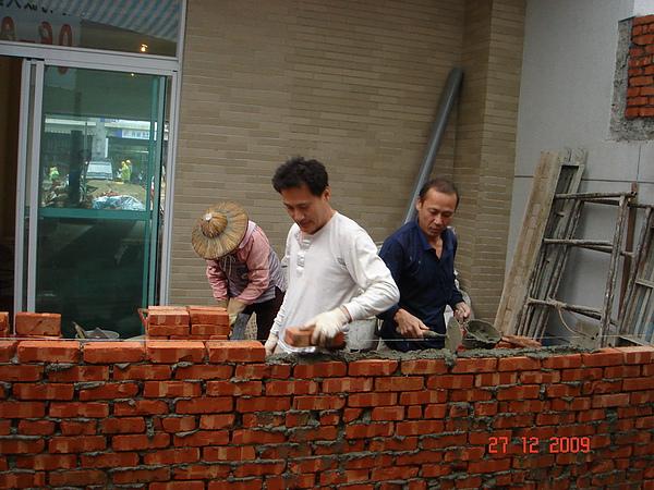 1F增建砌磚4.JPG