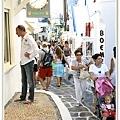 擁擠的mykonos街道