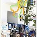 出租泳具的店,上面的氣球章魚好可愛