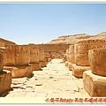 主要的殿都毀壞了,剩一堆石柱