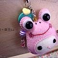 青蛙娃娃臉吊飾(粉紅色).JPG