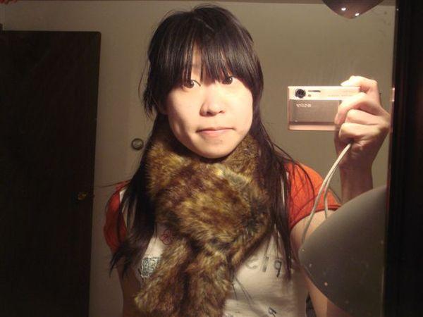 Hollister 毛毛圍巾