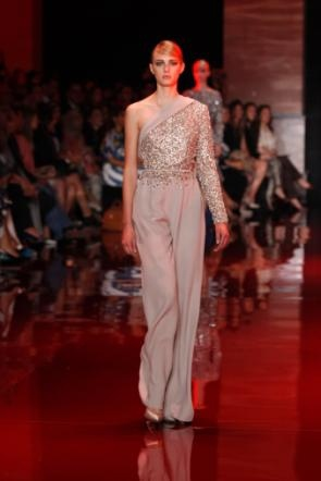 elie-saab-fall-2013-2014-couture-long-sleeve-v-neck-beige (3).jpg