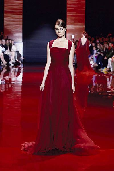 elie-saab-fall-2013-2014-couture (5).jpg