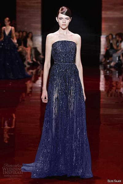 elie-saab-2013-2014-fall-couture-strapless-beaded-blue-navy-gown.jpg